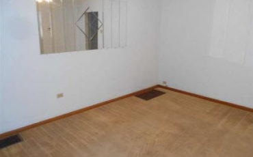 Tenant ONLY PAYS Electric for 1 Bedroom Apt – Spacious and Quiet